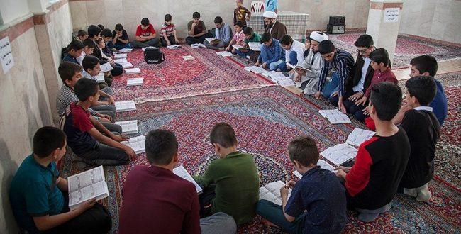 گروه جهادی فرهنگیان قم به فعالیت های آموزشی در روستای کوه سفید می پردازد