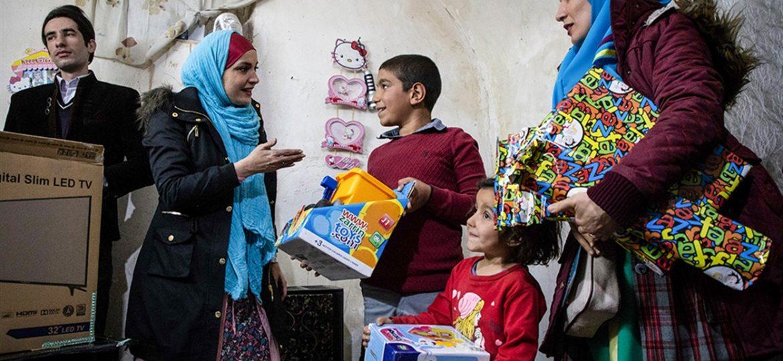 گزارش تصویری توزیع پوشاک و عیدانه کودکان به همت گروه جهادی احیاء القلوب