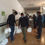 توزیع غذای گرم به همت جهادگران بین نیازمندان در اربعین حسینی