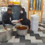 توزیع غذای گرم بین خانواده نیازمند درگیر ویروس منحوس کرونا همزمان با عید غدیر خم